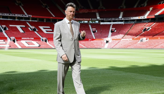 Robin van Persie struggling for confidence, admits Louis van Gaal