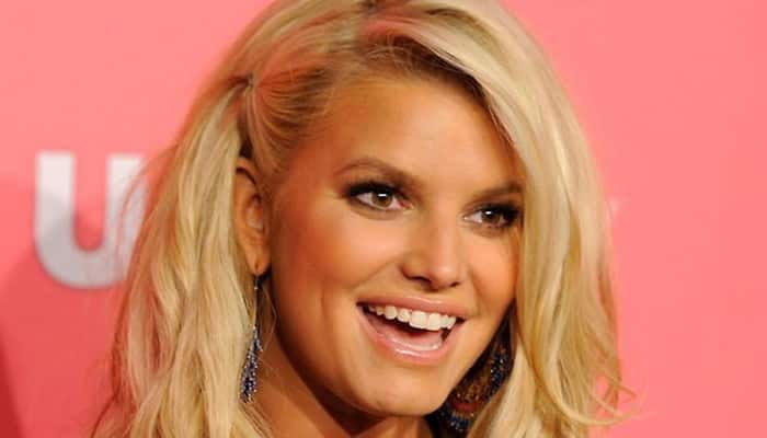 Jessica Simpson poses in seductive way on Instagram