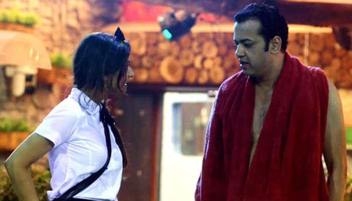 'Bigg Boss 8': Rahul Mahajan meets Dimpy, inmates party hard!