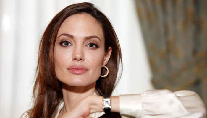 Angelina Jolie all 'itchy' with 'chickenpox'
