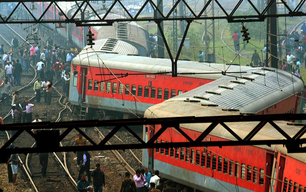 Howrah-New Delhi Purba Express derails at the Liluah Station in Howrah district of West Bengal.
