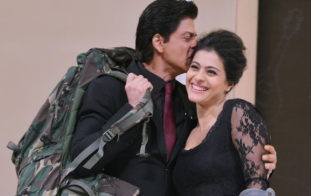 Shah Rukh Khan, Kajol celebrated 1000 weeks DDLJ