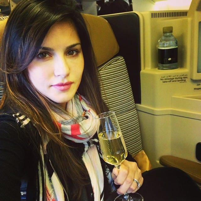 Sunny Leone :- Cheers homies!! -instagram