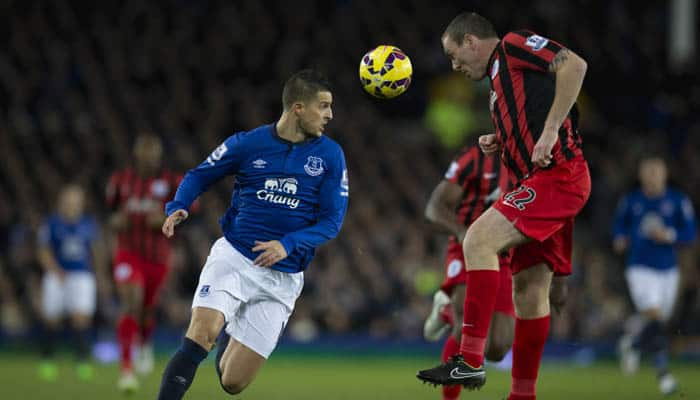 Everton wait on Kevin Mirallas injury