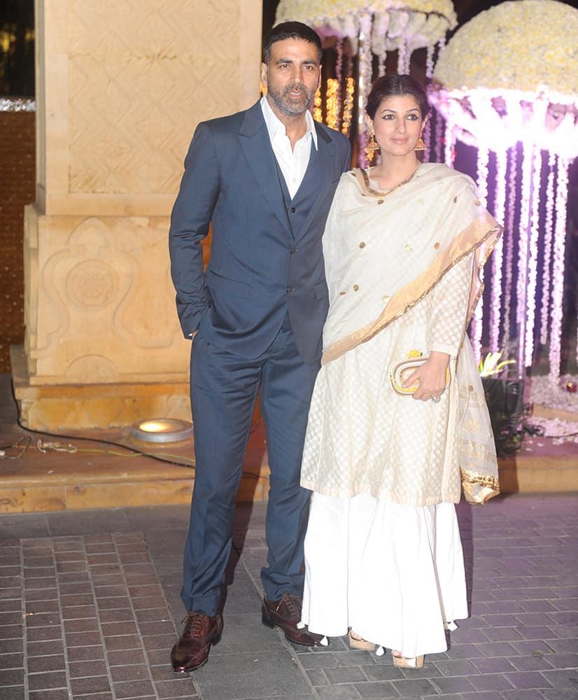Akshay Kumar, Twinkle Khanna during Riddhi Malhotra and Tejas Talwalkar marriage reception in Mumbai.- dna
