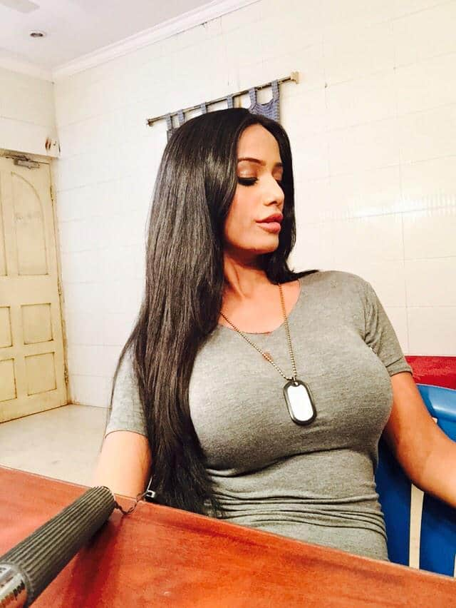 Poonam Pandey :- Still busy shooting don't know what time is the Packup :( -twitter