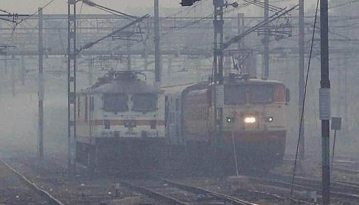 Dense fog in Delhi, 65 trains delayed