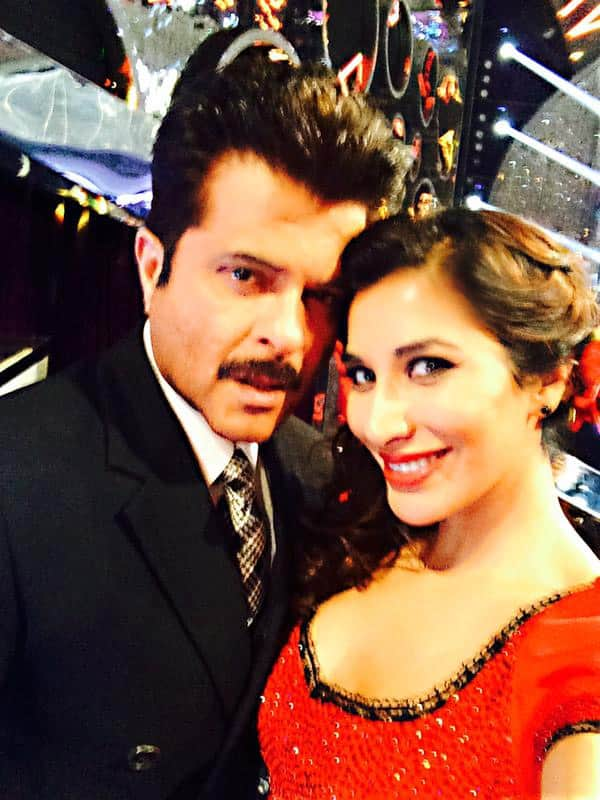SOPHIE CHOUDRY :- Happy b'day to the ever young, fit & fabulous @AnilKapoor .. May you stay that way 24/7 Much love!!  - Twitter
