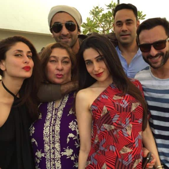 KAREENA KAPOOR KHAN ‏:- THIS IS HOW KAREENA CELEBRATES HER CHRISTMAS. SHE WAS SEEN WITH RANBIR, RIMA(AUNTY), KARISMA AND SAIF - TWITTER