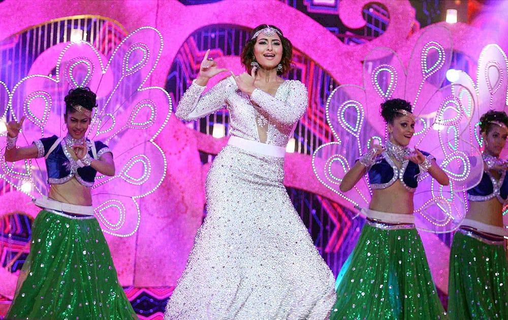 Bollywood actress Sonakshi Sinha performs during the BIG STAR Entertainment Awards 2014 in Mumbai.