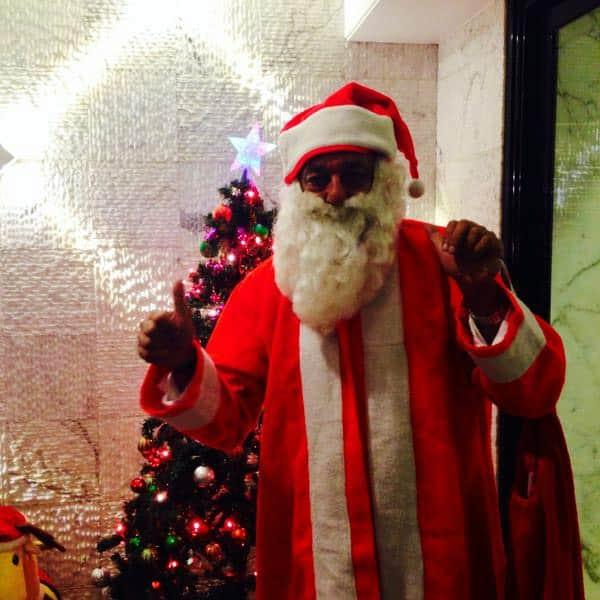 Exclusive picture of Sanjay Dutt as Santa Claus for his kids.... - Twitter
