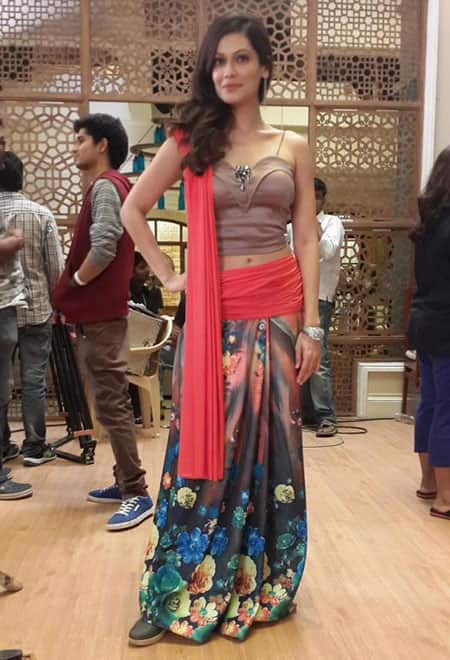 PAYAL ROHATGI :- Chalo #fulllength picture #onsets -twitter