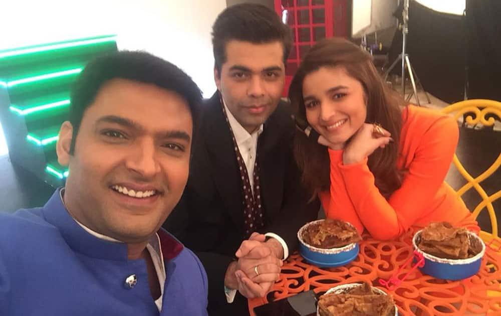 Kapil Sharma :- Pranthas in lunch ;) .. Any guess Whr v r ? @karanjohar @aliaa08 -twitter