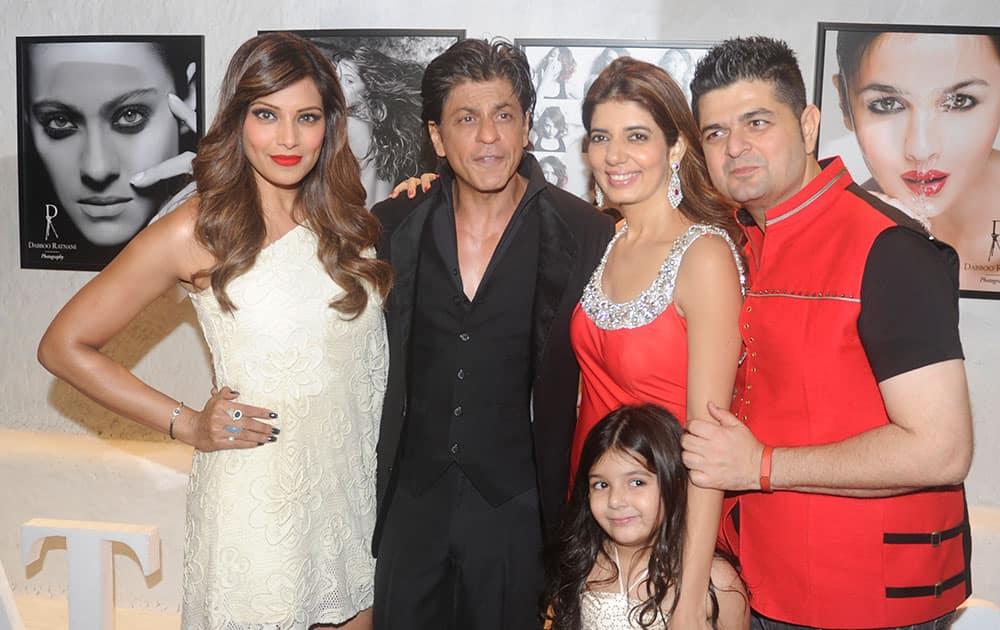 Bipasha Basu, Shah Rukh Khan, Manisha Ratnani and Daboo Ratnani at Daboo Ratnani's annual calendar launch party in Mumbai.- DNA