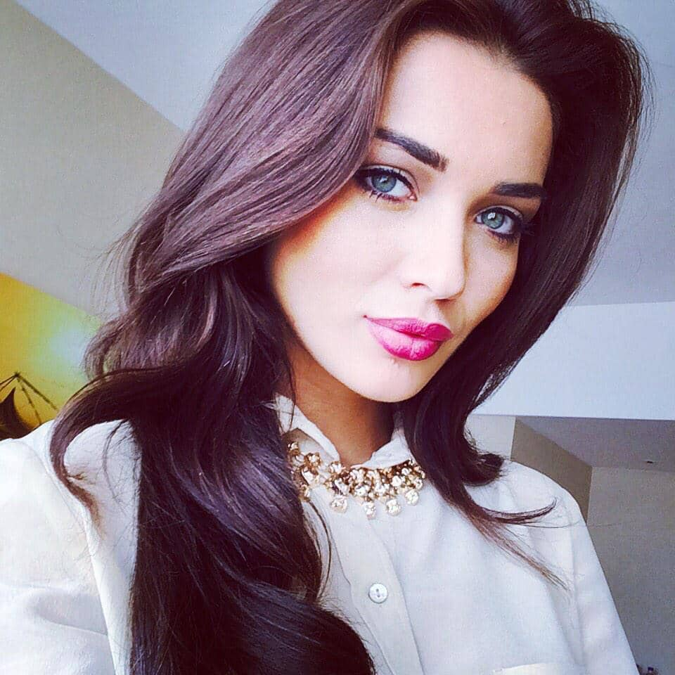 Amy Jackson :- Selfie Time -twitter