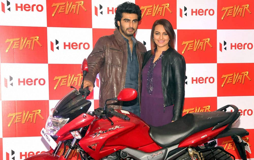 Bollywood actors Arjun Kapoor and Sonakshi Sinha during a promotional event for the upcoming film Tevar in Nagpur, Maharashtra.