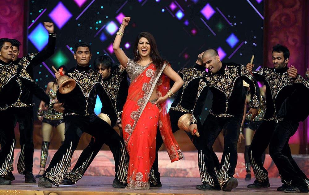 Bollywood actress Priyanka Chopra performs during the Umang Mumbai Police Show 2015 in Mumbai.