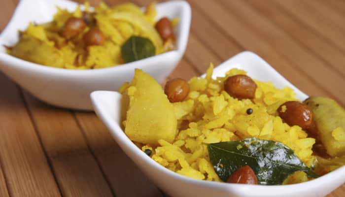 Kanda Poha is an ideal breakfast item. Onions, green chillies and coriander are the important ingredients in this delicious sumptuous dish.