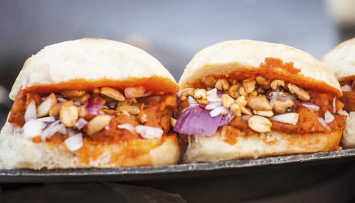 Dabeli or double roti is another food item with Pav as one of the main features. Spices of various kinds are added to mashed vegetables and cooked until a thick paste is formed. This is sandwiched between the two halves of a pav and garnished with roasted peanuts.