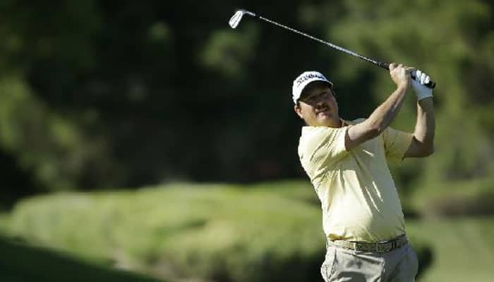 Tim Clark, Troy Merritt tied for Sony Open early second round lead