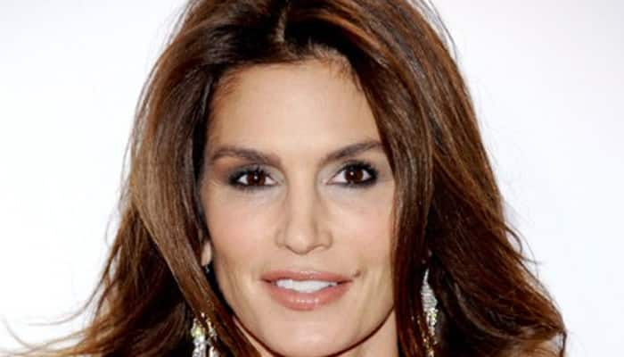 Cindy Crawford wants daughters to be 'healthy'