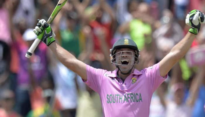 Anil Kumble congratulates AB de Villiers for fastest ton