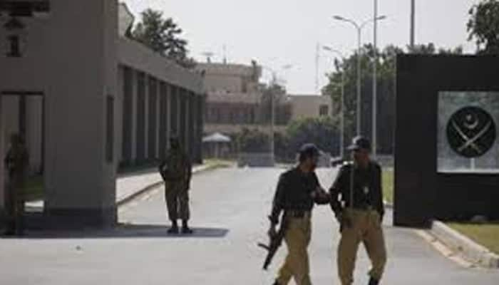 Suicide bomber blows himself up near police check post in Pakistan's Rawalpindi