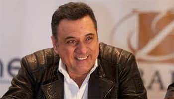 Boman Irani takes wife on romantic getaway