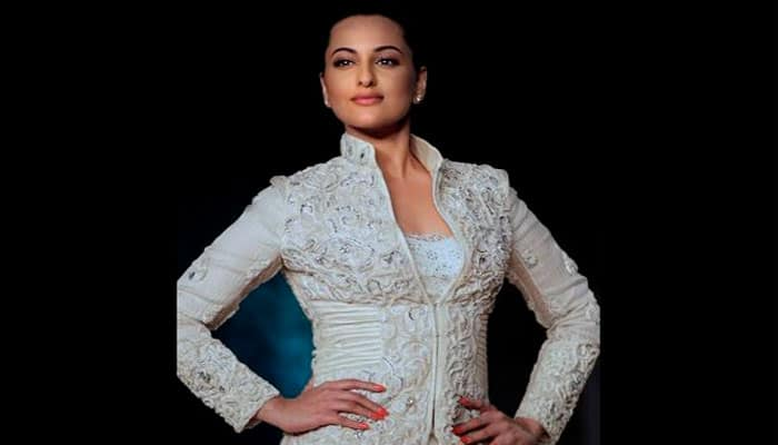 Sonakshi Sinha thanks everyone for brother's wedding wishes!