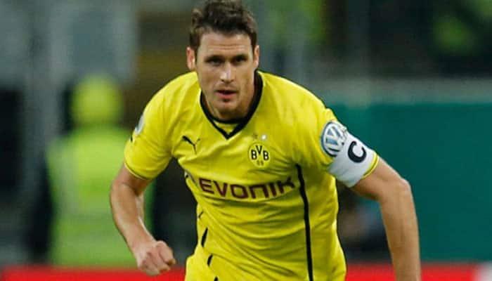 Dortmund midfielder Sebastian Kehl sidelined with shoulder injury