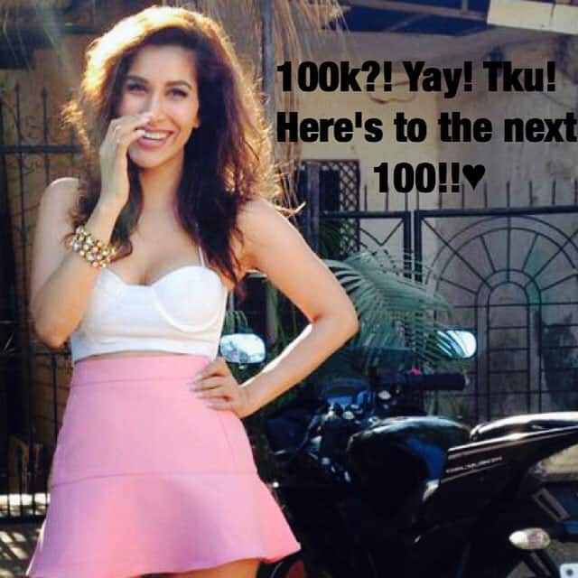 sophie choudry :- #ThankYou all for the #Love❤ #100k #InstaFamily #Amazing #Happy #Smile. -instagram