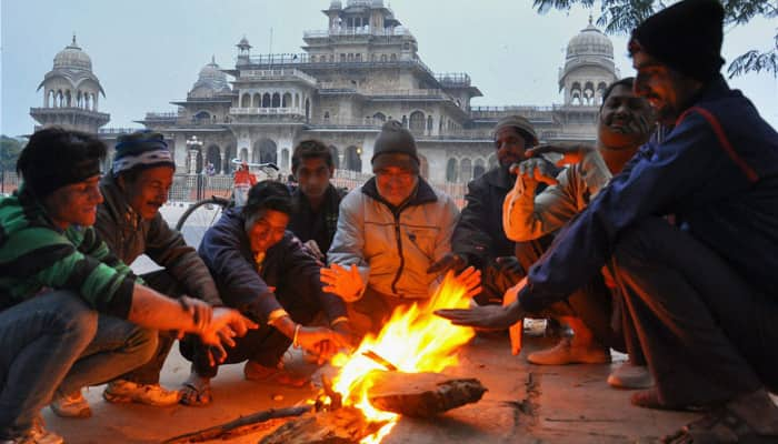 Cold spell continues in north India as weatherman hints at rain