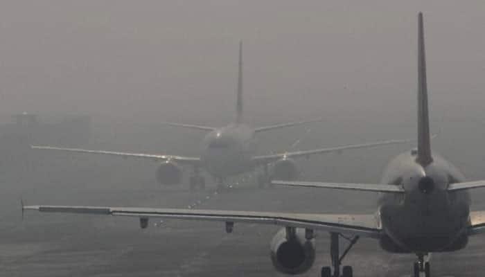 Foggy morning in Delhi delays over 30 trains