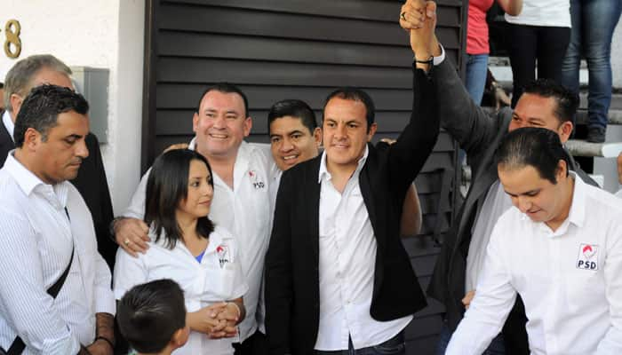 Mexican football star Cuauhtemoc Blanco enters politics