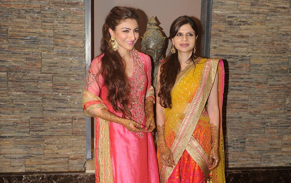 Soha and sister Saba Ali Khan at the mehendi ceremony of Soha Ali Khan in Mumbai.- dna