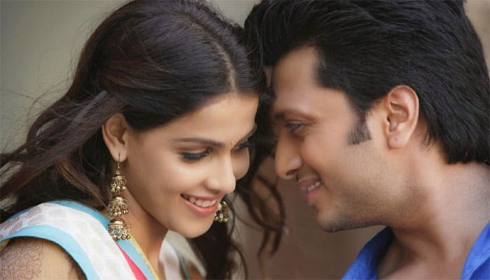 Riteish, Genelia 'proud' for using 'Lai Bhaari' song at R-Day