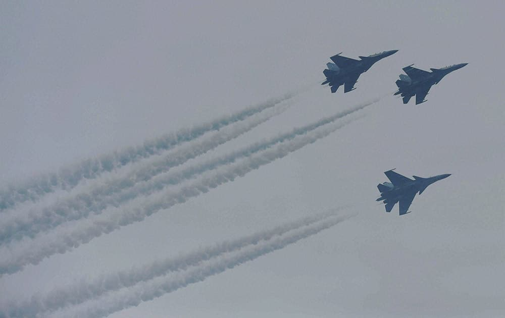 Fighter planes flying past during the 66th Republic Day parade at Rajpath in New Delhi.
