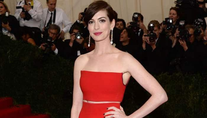 Anne Hathaway to memorise her play's dialogues on road trip?