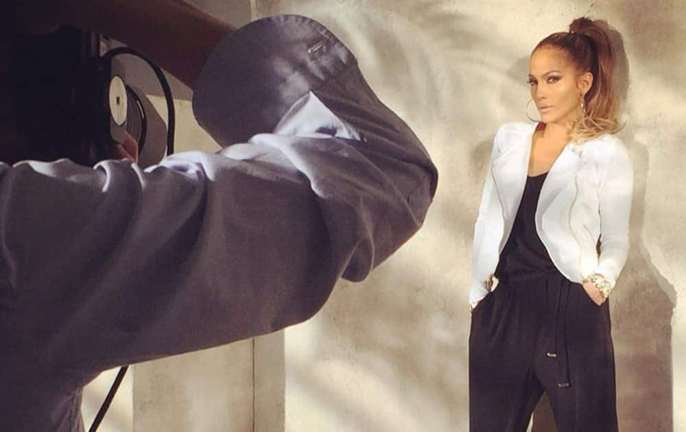 Jennifer Lopez -: Behind the scenes from my shoot today with @Kohls... #staytuned #jlocollection #kohls pic.twitter