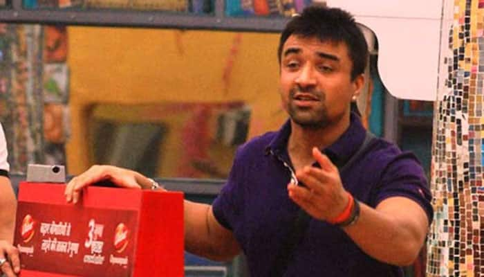 'Bigg Boss 8 Halla Bol': 'Ek number' Ajaz Khan back in house!