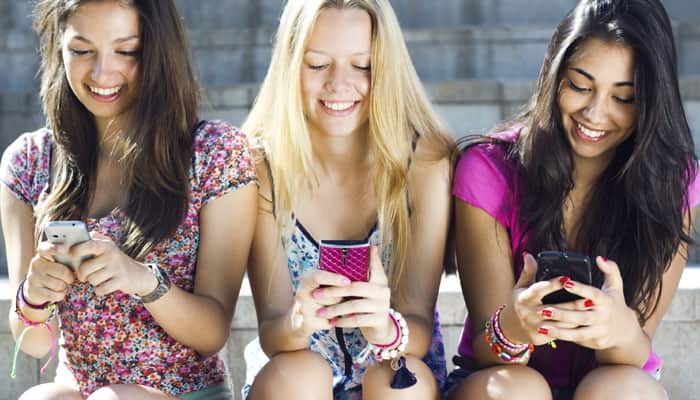 Texting better than apps to treat mental illness