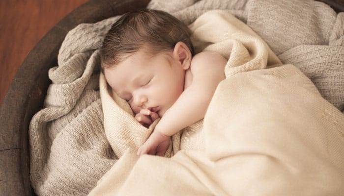 Babies' 'busy' brains create new knowledge even while sleeping