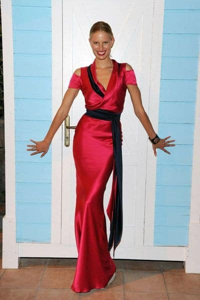 Karolina Kurkova ‏: Lady in Hot Pink:) Dress by @sophietheallet  #kkstyle - Twitter