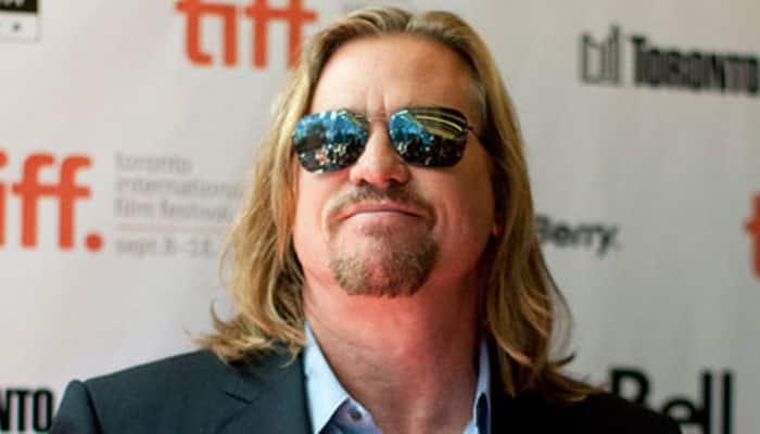 Val Kilmer undergoes surgery for throat tumour