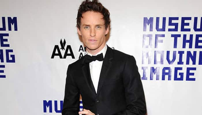 Eddie Redmayne eyes beach vacation post Oscars
