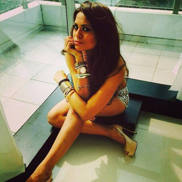 Sana Saeed : FABULOUS photoshoot with @munnas_sk & @pompyhans !! Styled by #mubbasherazaidy !!! Thank you guys, love youuu' ❤️