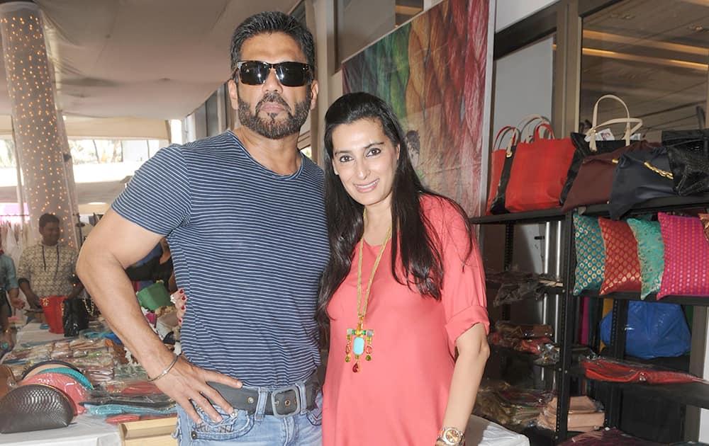 Sunil and Mana Shetty, during the charity fundraiser exhibition Araaish at Blue Sea, Worli in Mumbai. -DNA