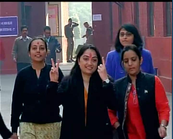 BJP's candidate from New Delhi Nupur Sharma(contesting against Arvind Kejriwal) casts her vote  -twitter