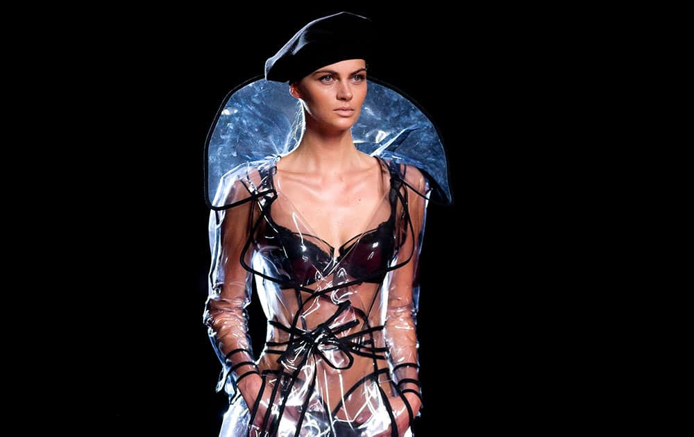 A model displays an Autumn/Winter design by Andres Sarda at Madrid's Fashion Week.