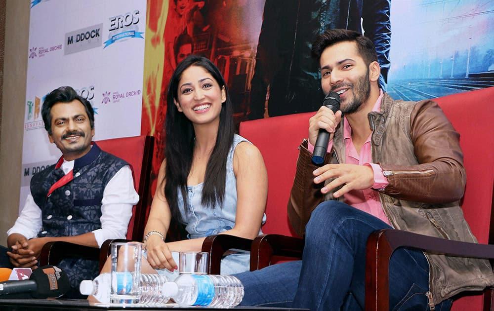 Varun Dhawan, Yami Gautam and Nawajuddin talking to the media during the promotional event of their upcoming movie Badlapur in Jaipur.